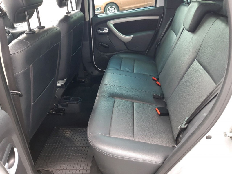 Photo 8 de l'offre de DACIA DUSTER 1.5 DCI 110CH LAUREATE 4X2 à 11490€ chez Carlyss automobiles Vitré