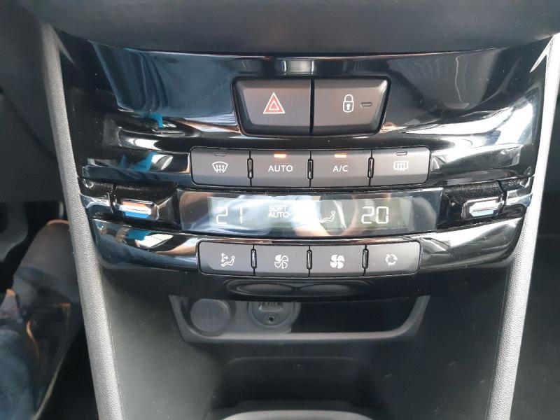 Photo 12 de l'offre de PEUGEOT 2008 1.2 PURETECH 110CH ALLURE S&S à 13490€ chez Carlyss automobiles Vitré