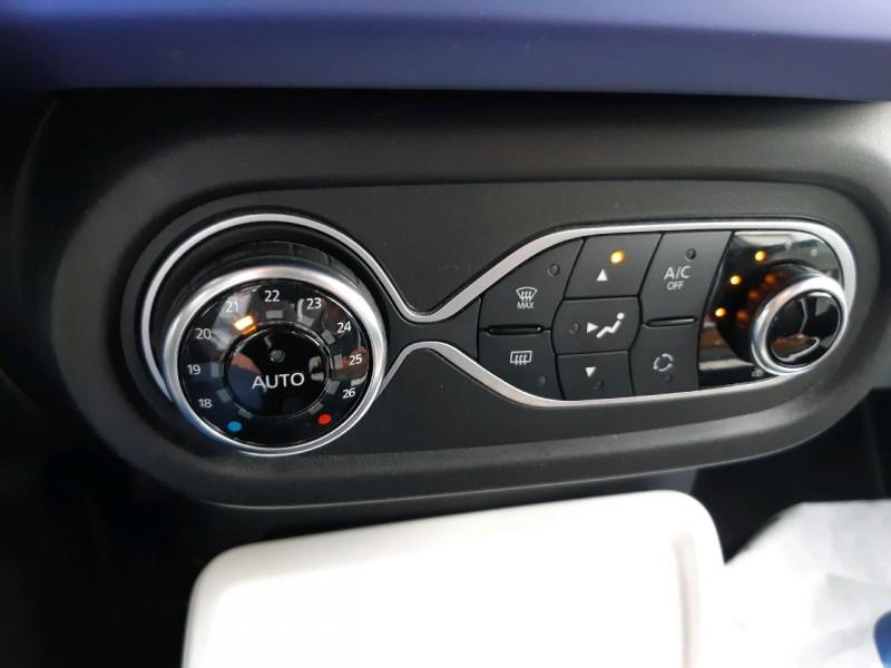 Photo 12 de l'offre de RENAULT TWINGO III 0.9 TCE 90CH INTENS EDC à 10790€ chez Carlyss automobiles Vitré