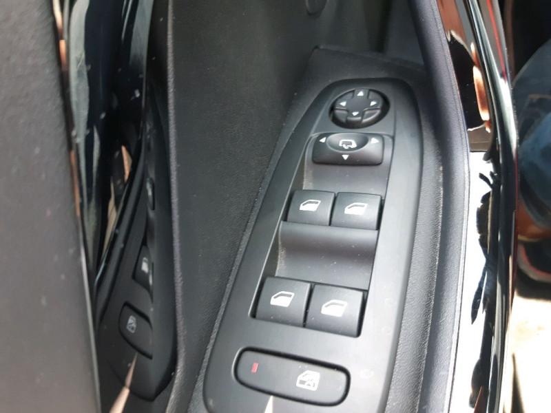 Photo 16 de l'offre de PEUGEOT 2008 1.2 PURETECH 110CH GT LINE S&S à 13490€ chez Carlyss automobiles Vitré