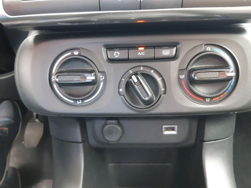 Photo 11 de l'offre de CITROEN C3 PURETECH 82CH FEEL S&S E6.D-TEMP à 10790€ chez Carlyss automobiles Vitré