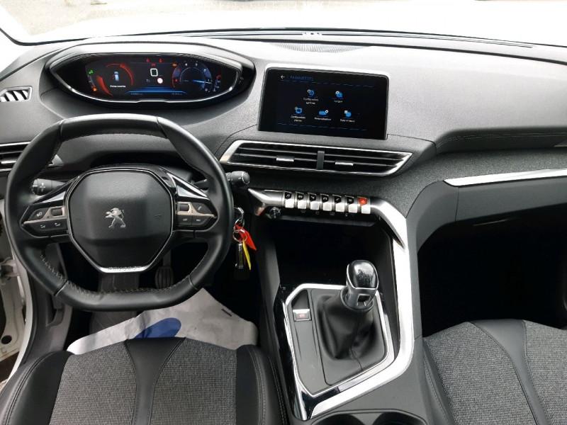 Photo 10 de l'offre de PEUGEOT 3008 1.6 BLUEHDI 120CH ALLURE S&S à 17290€ chez Carlyss automobiles Vitré