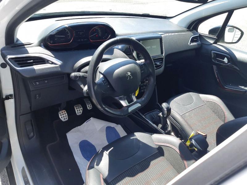 Photo 10 de l'offre de PEUGEOT 2008 1.2 PURETECH 110CH GT LINE S&S à 13490€ chez Carlyss automobiles Vitré