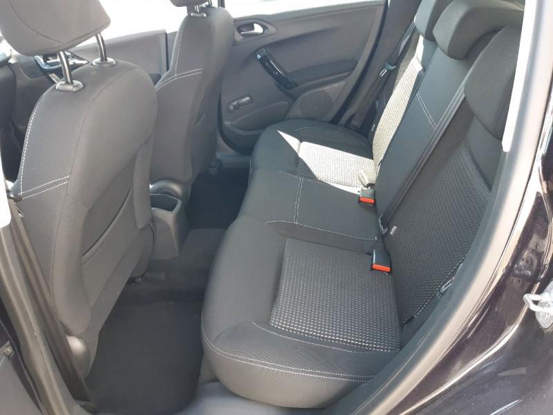 Photo 8 de l'offre de PEUGEOT 208 1.2 PURETECH 110CH ALLURE S&S EAT6 5CV 5P à 12990€ chez Carlyss automobiles Vitré