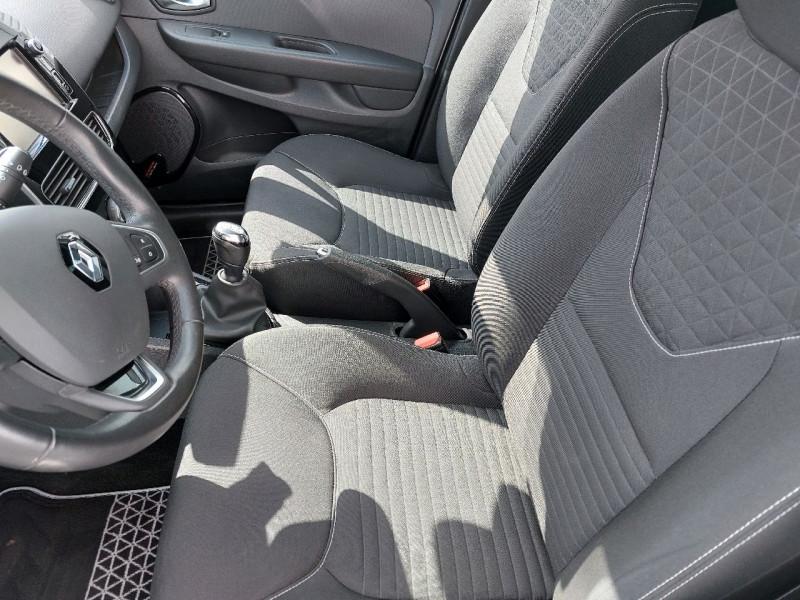 Photo 8 de l'offre de RENAULT CLIO IV 0.9 TCE 90CH ENERGY LIMITED 5P à 9490€ chez Carlyss automobiles Vitré