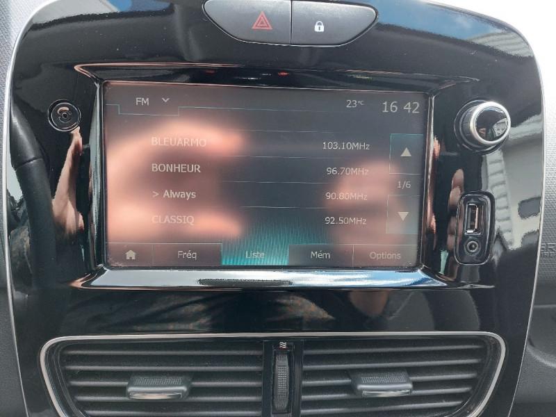 Photo 14 de l'offre de RENAULT CLIO IV 0.9 TCE 90CH ENERGY LIMITED 5P à 9490€ chez Carlyss automobiles Vitré