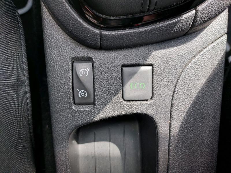 Photo 19 de l'offre de RENAULT CLIO IV 0.9 TCE 90CH ENERGY LIMITED 5P à 9490€ chez Carlyss automobiles Vitré