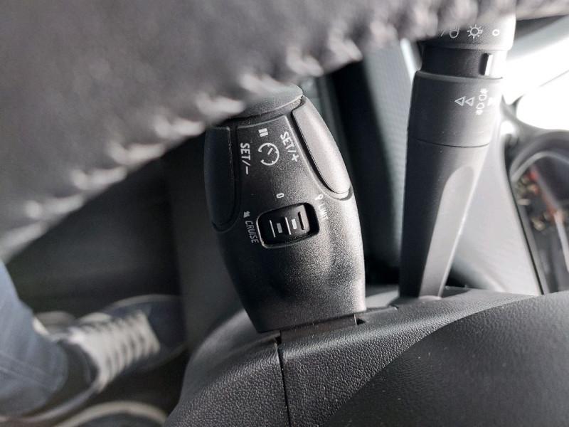 Photo 13 de l'offre de PEUGEOT 2008 1.2 PURETECH 82CH ACTIVE à 10990€ chez Carlyss automobiles Vitré