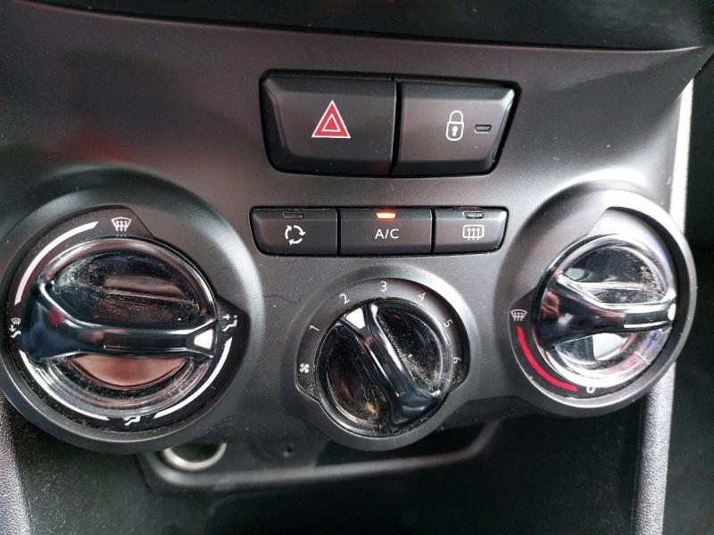 Photo 10 de l'offre de PEUGEOT 2008 1.2 PURETECH 82CH ACTIVE à 10990€ chez Carlyss automobiles Vitré