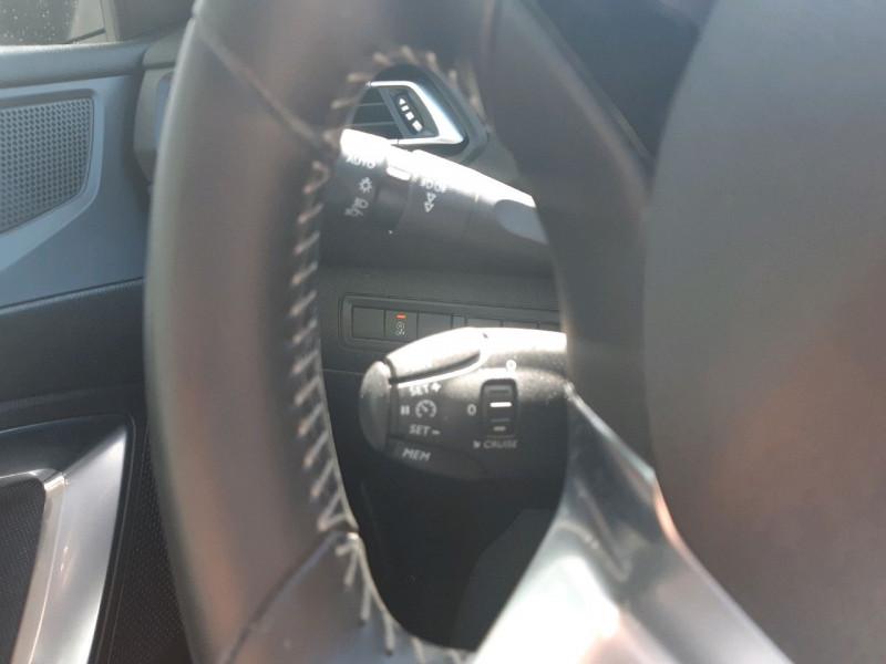 Photo 11 de l'offre de PEUGEOT 308 1.5 BLUEHDI 130CH S&S ALLURE à 17890€ chez Carlyss automobiles Vitré