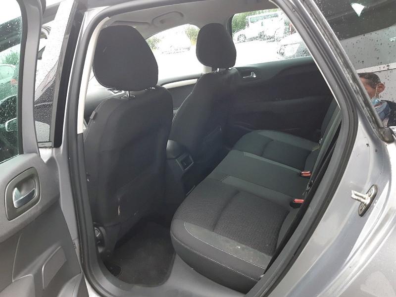 Photo 6 de l'offre de CITROEN C4 BLUEHDI 120CH MILLENIUM BUSINESS S&S à 9990€ chez Carlyss automobiles Vitré