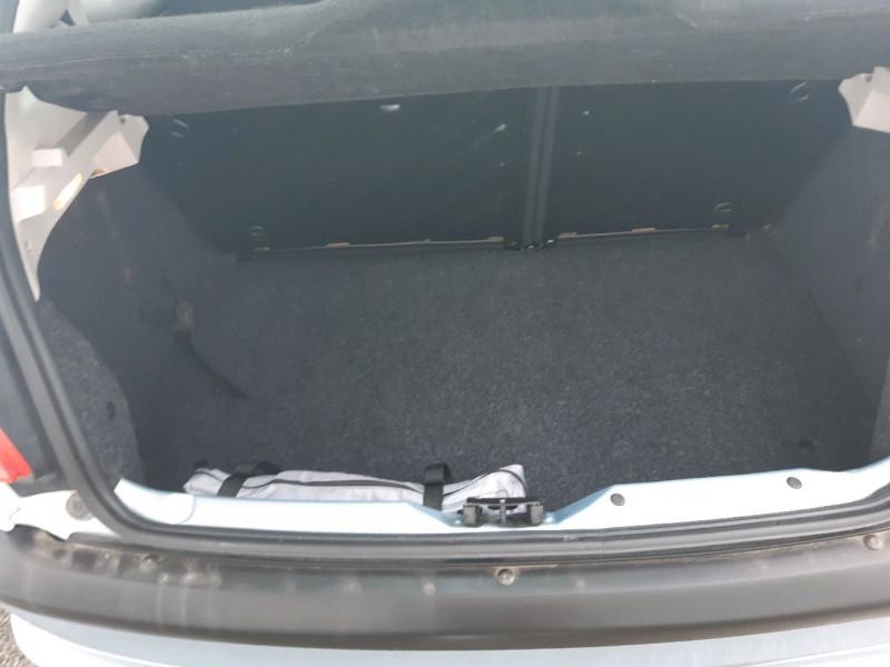 Photo 10 de l'offre de PEUGEOT 206 1.4 GRAND FILOU BAA à 5990€ chez Carlyss automobiles Vitré
