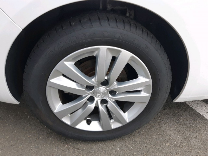 Photo 3 de l'offre de PEUGEOT 308 SW 1.5 BLUEHDI 130CH S&S ACTIVE à 14290€ chez Carlyss automobiles Vitré