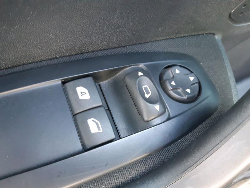 Photo 6 de l'offre de PEUGEOT 2008 1.2 PURETECH 110CH ACTIVE à 12490€ chez Carlyss automobiles Vitré