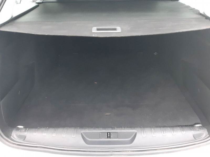 Photo 13 de l'offre de PEUGEOT 308 SW 1.5 BLUEHDI 130CH S&S ACTIVE à 14290€ chez Carlyss automobiles Vitré
