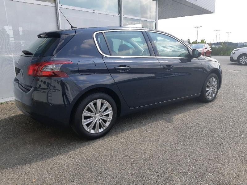 Photo 4 de l'offre de PEUGEOT 308 1.5 BLUEHDI 130CH S&S ALLURE à 16490€ chez Carlyss automobiles Vitré