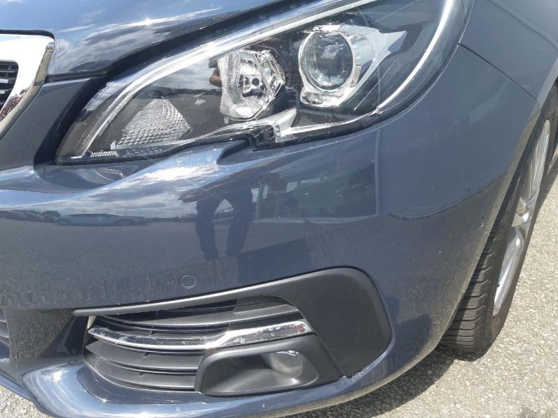 Photo 3 de l'offre de PEUGEOT 308 1.5 BLUEHDI 130CH S&S ALLURE à 16490€ chez Carlyss automobiles Vitré