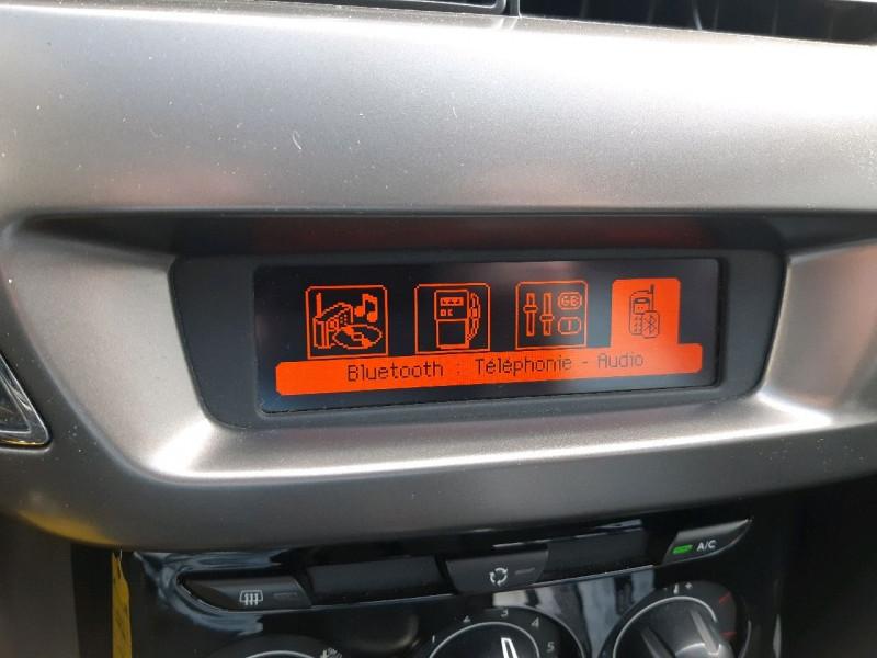 Photo 10 de l'offre de CITROEN C3 1.2 VTI PURETECH COLLECTION II à 7990€ chez Carlyss automobiles Vitré