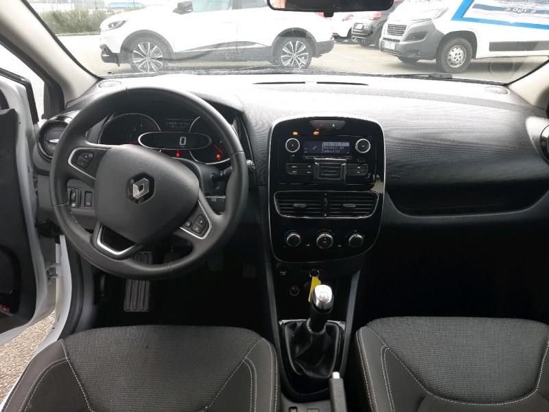 Photo 7 de l'offre de RENAULT CLIO IV ESTATE 1.5 DCI 90CH ENERGY ZEN EURO6C à 8490€ chez Carlyss automobiles Vitré