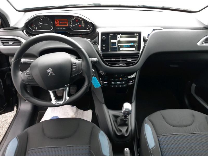 Photo 8 de l'offre de PEUGEOT 208 1.6 E-HDI115 FAP FELINE 5P à 10490€ chez Carlyss automobiles Vitré
