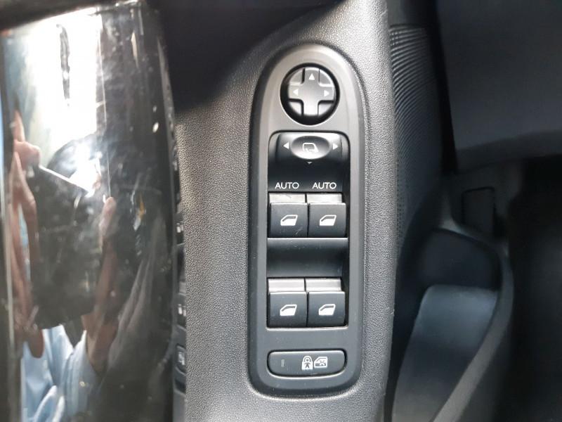 Photo 12 de l'offre de CITROEN C3 1.2 VTI PURETECH COLLECTION II à 7990€ chez Carlyss automobiles Vitré