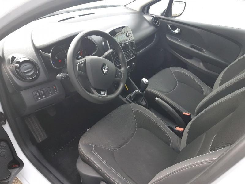 Photo 5 de l'offre de RENAULT CLIO IV ESTATE 1.5 DCI 90CH ENERGY ZEN EURO6C à 8490€ chez Carlyss automobiles Vitré