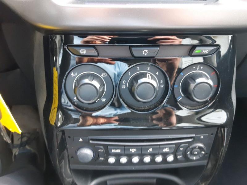 Photo 9 de l'offre de CITROEN C3 1.2 VTI PURETECH COLLECTION II à 7990€ chez Carlyss automobiles Vitré
