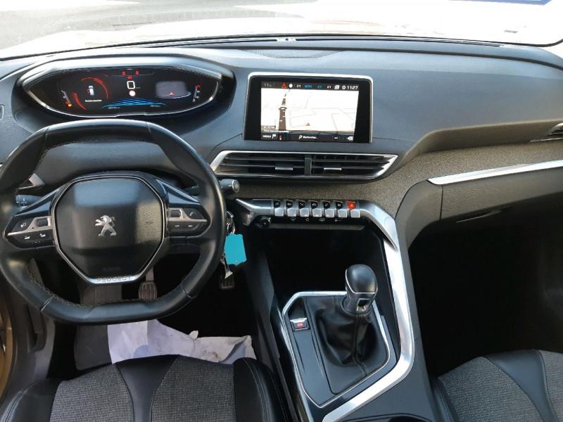 Photo 8 de l'offre de PEUGEOT 3008 1.6 BLUEHDI 120CH ALLURE S&S à 16990€ chez Carlyss automobiles Vitré