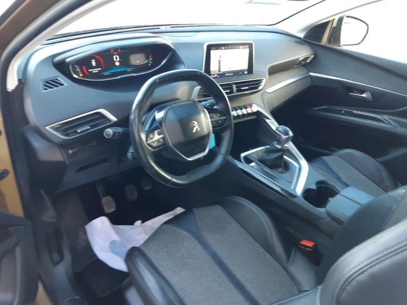 Photo 6 de l'offre de PEUGEOT 3008 1.6 BLUEHDI 120CH ALLURE S&S à 16990€ chez Carlyss automobiles Vitré