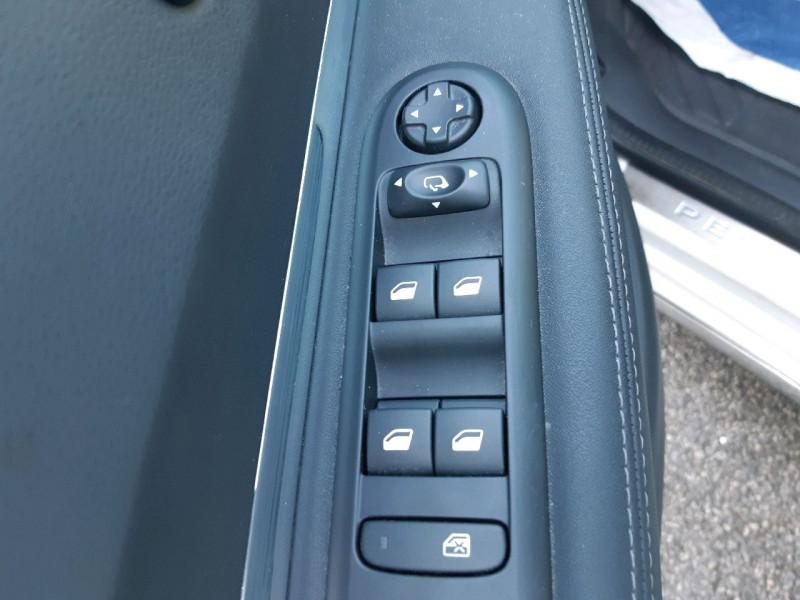 Photo 14 de l'offre de PEUGEOT 3008 1.6 BLUEHDI 120CH ALLURE S&S à 12390€ chez Carlyss automobiles Vitré