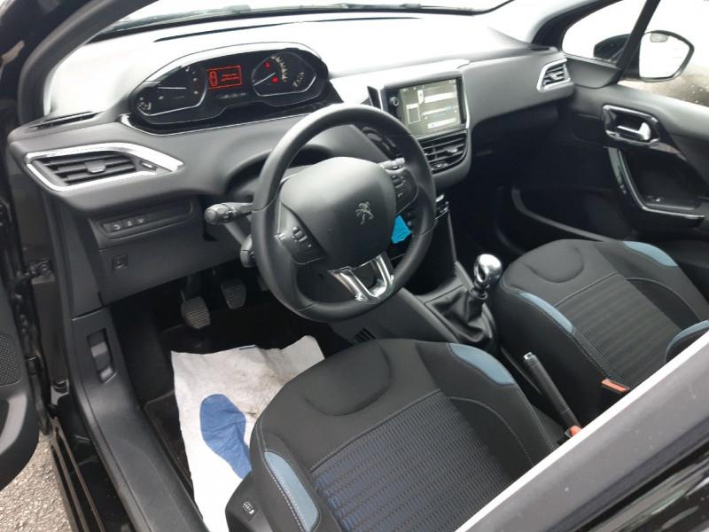Photo 6 de l'offre de PEUGEOT 208 1.6 E-HDI115 FAP FELINE 5P à 10490€ chez Carlyss automobiles Vitré