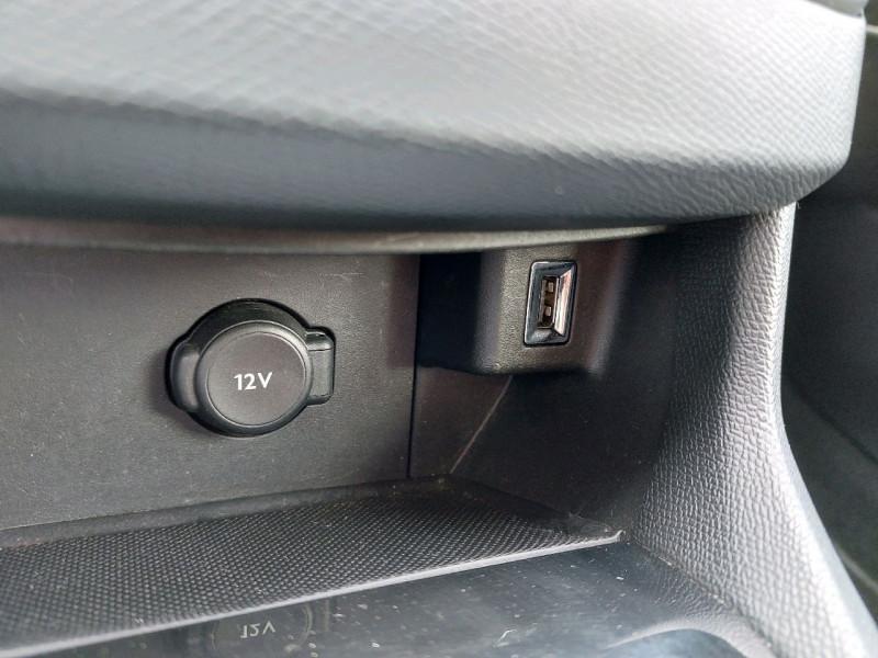 Photo 15 de l'offre de PEUGEOT 308 SW 1.5 BLUEHDI 130CH S&S ACTIVE à 11990€ chez Carlyss automobiles Vitré