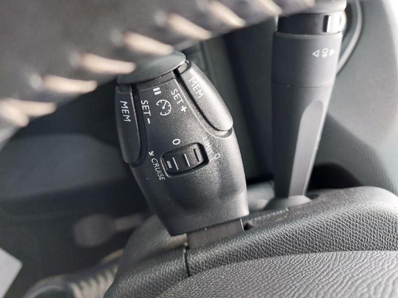 Photo 11 de l'offre de PEUGEOT 308 SW 1.5 BLUEHDI 130CH S&S ACTIVE à 11990€ chez Carlyss automobiles Vitré