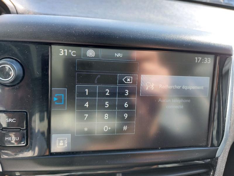 Photo 13 de l'offre de PEUGEOT 208 1.2 PURETECH 82CH ACTIVE 5P à 9490€ chez Carlyss automobiles Vitré