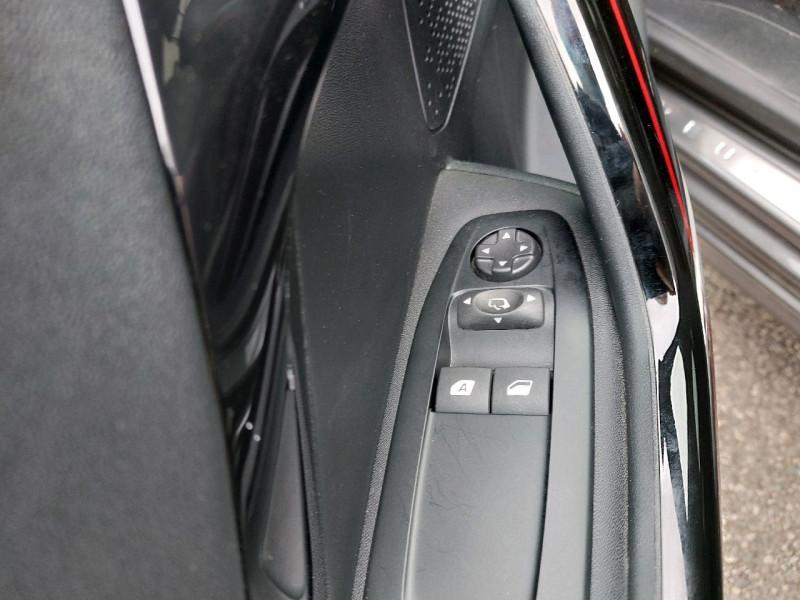 Photo 12 de l'offre de PEUGEOT 208 1.6 BLUEHDI 120CH GT LINE S&S 5P à 15990€ chez Carlyss automobiles Vitré