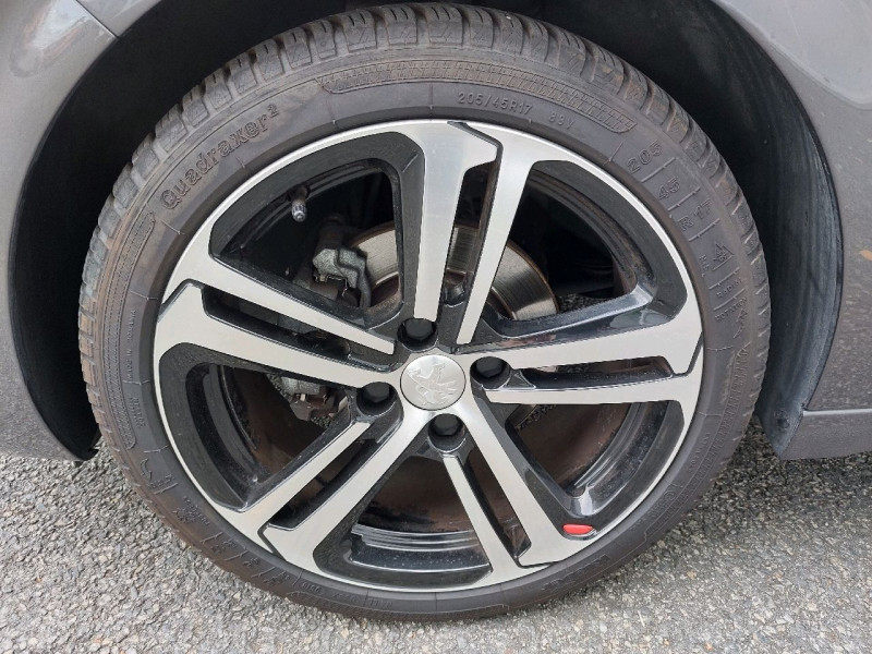 Photo 8 de l'offre de PEUGEOT 208 1.6 BLUEHDI 120CH GT LINE S&S 5P à 15990€ chez Carlyss automobiles Vitré