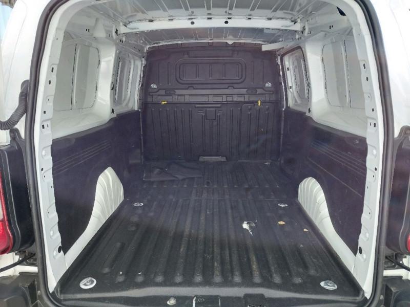 Photo 6 de l'offre de PEUGEOT PARTNER LONG 950KG BLUEHDI 130CH S&S GRIP à 16490€ chez Carlyss automobiles Vitré