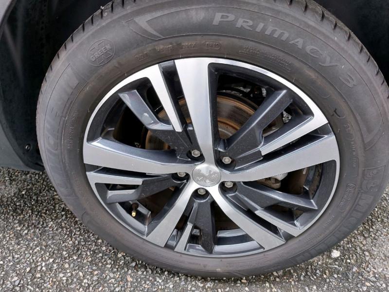 Photo 7 de l'offre de PEUGEOT 3008 1.5 BLUEHDI 130CH E6.C ALLURE S&S 7CV à 22490€ chez Carlyss automobiles Vitré
