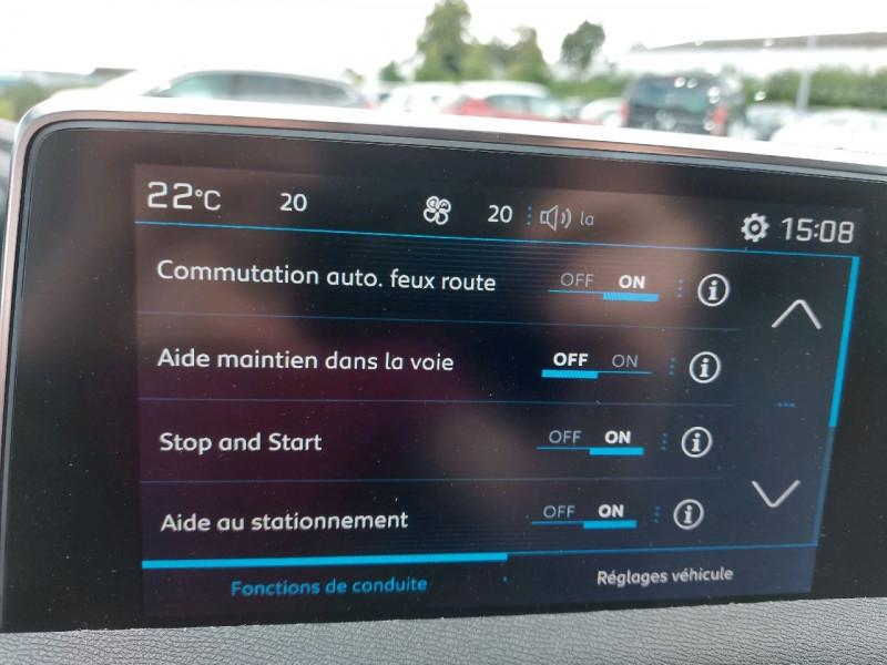 Photo 14 de l'offre de PEUGEOT 3008 1.5 BLUEHDI 130CH E6.C ALLURE S&S 7CV à 22490€ chez Carlyss automobiles Vitré