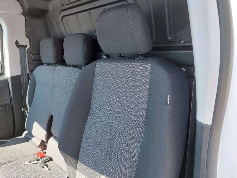 Photo 8 de l'offre de PEUGEOT PARTNER LONG 950KG BLUEHDI 130CH S&S GRIP à 16490€ chez Carlyss automobiles Vitré