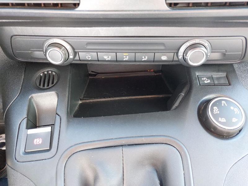 Photo 10 de l'offre de PEUGEOT PARTNER LONG 950KG BLUEHDI 130CH S&S GRIP à 16490€ chez Carlyss automobiles Vitré