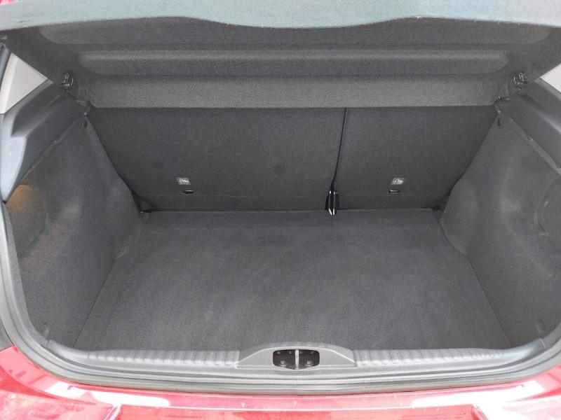 Photo 4 de l'offre de CITROEN C3 PURETECH 82CH FEEL à 10290€ chez Carlyss automobiles Vitré