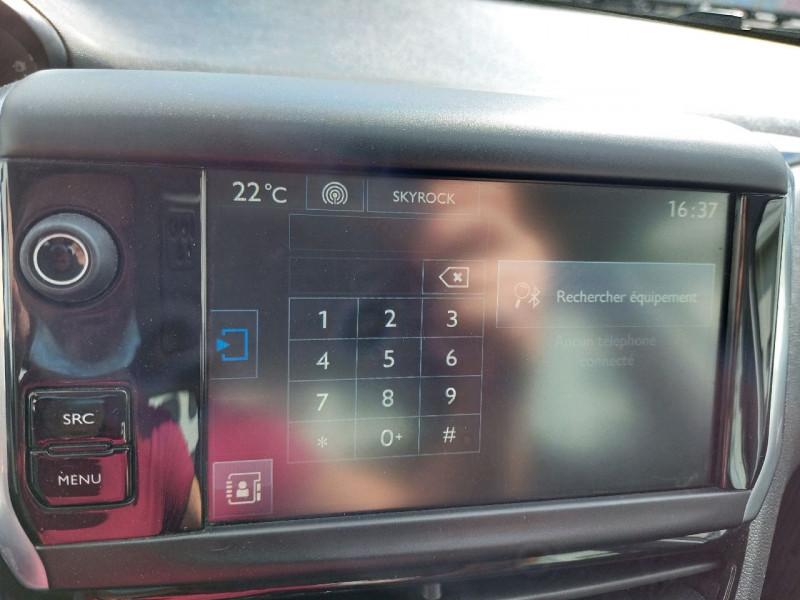 Photo 10 de l'offre de PEUGEOT 208 1.2 PURETECH 82CH ACTIVE 5P à 8690€ chez Carlyss automobiles Vitré
