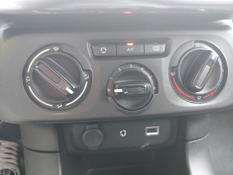 Photo 10 de l'offre de CITROEN C3 PURETECH 110CH FEEL S&S à 12990€ chez Carlyss automobiles Vitré