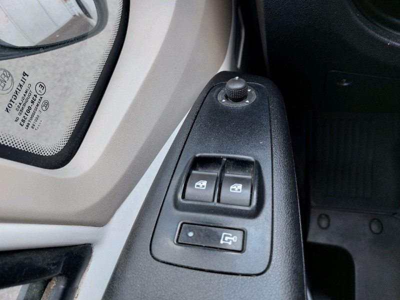 Photo 11 de l'offre de PEUGEOT BOXER FG 333 L3H2 2.0 BLUEHDI 160 S&S PREMIUM à 18490€ chez Carlyss automobiles Vitré