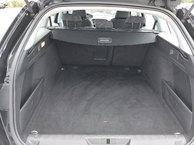 Photo 8 de l'offre de PEUGEOT 308 SW 1.5 BLUEHDI 130CH S&S ALLURE à 15290€ chez Carlyss automobiles Vitré