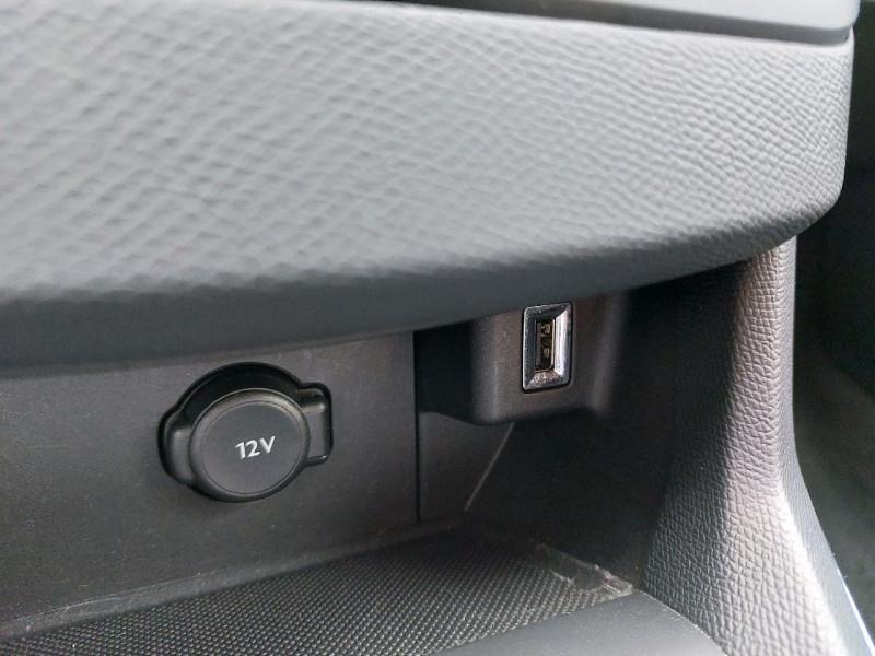 Photo 13 de l'offre de PEUGEOT 308 1.5 BLUEHDI 130CH S&S ALLURE à 17490€ chez Carlyss automobiles Vitré