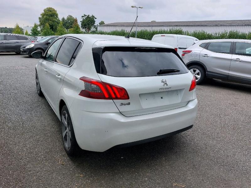 Photo 4 de l'offre de PEUGEOT 308 1.5 BLUEHDI 130CH S&S ALLURE à 17490€ chez Carlyss automobiles Vitré