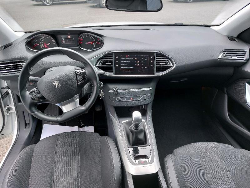 Photo 11 de l'offre de PEUGEOT 308 1.5 BLUEHDI 130CH S&S ALLURE à 17490€ chez Carlyss automobiles Vitré