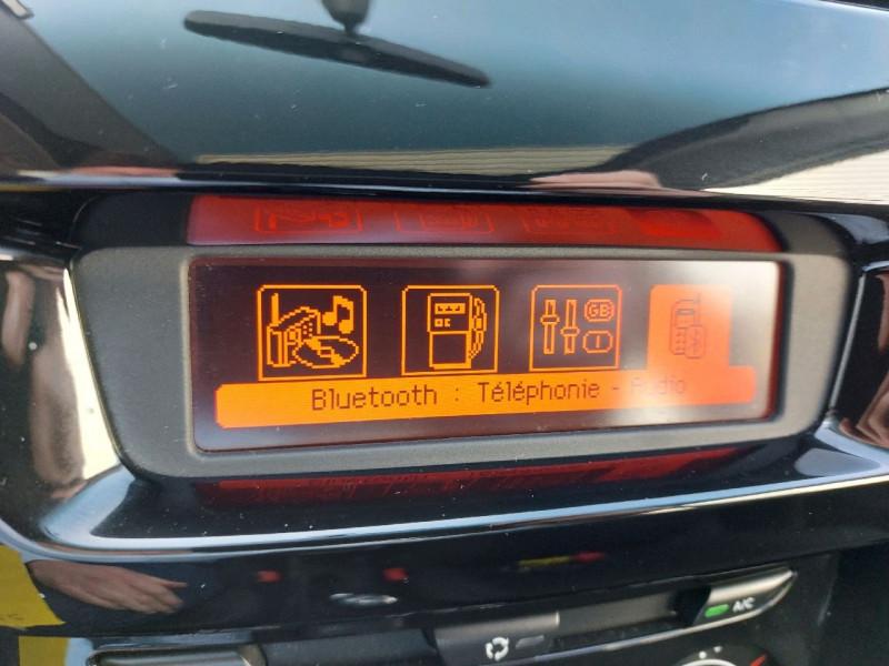 Photo 11 de l'offre de CITROEN C3 1.2 VTI COLLECTION II à 8290€ chez Carlyss automobiles Vitré